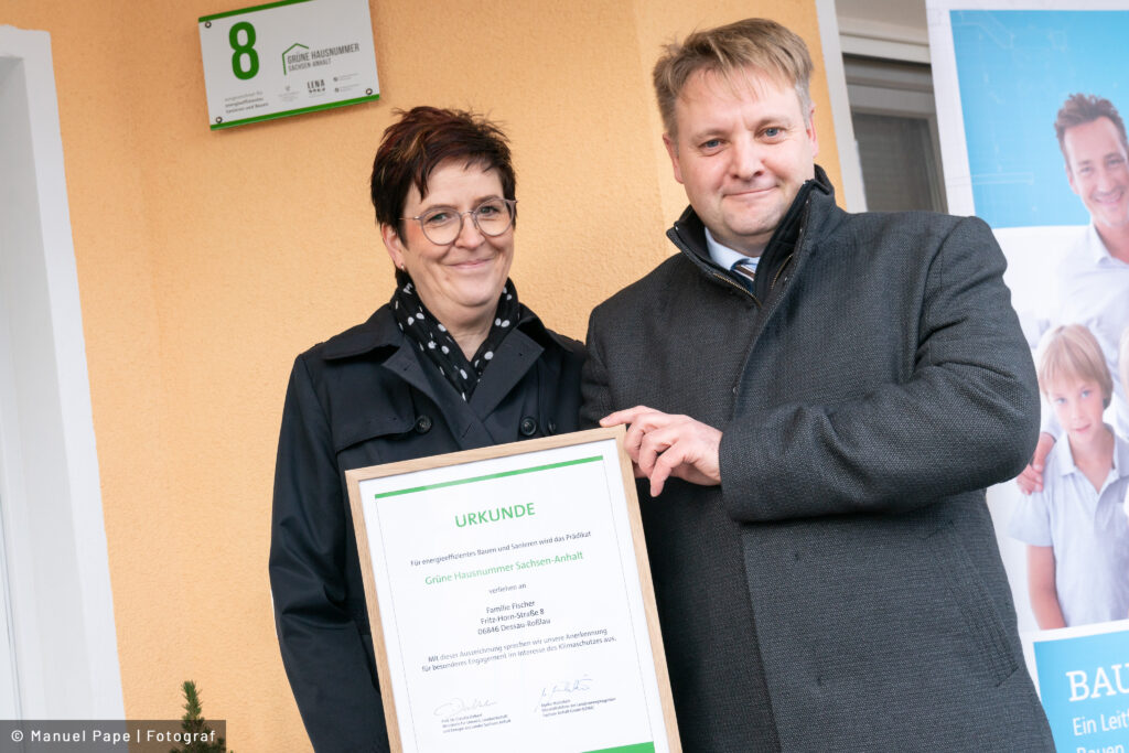 Read more about the article Grünes Hausnummernschild nun auch in Dessau-Roßlau zu finden